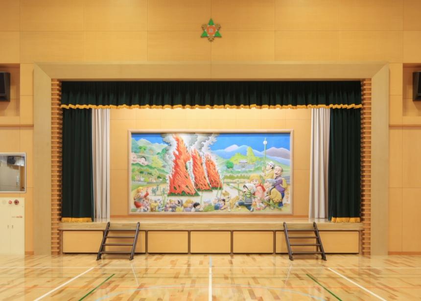 s-011 ステージ(1).jpg